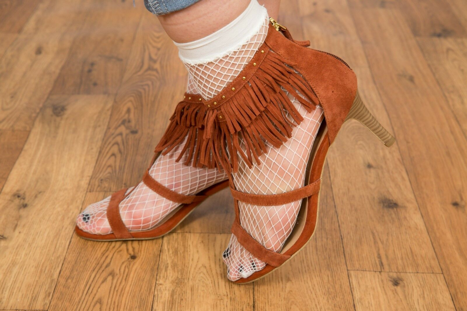 Tan suede leather fringe studded T bar heels Size 6
