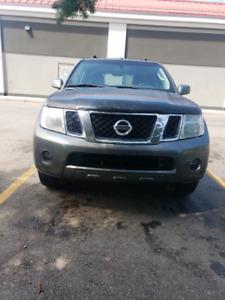 2008 Nissan Pathfinder Se Fully loaded