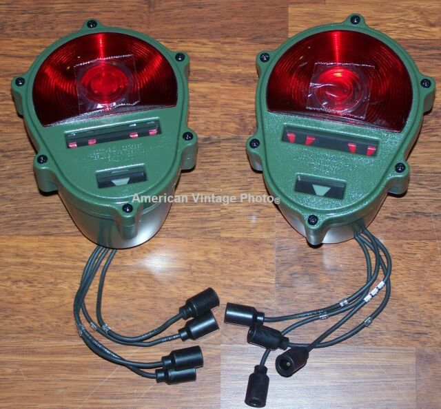 2HMMWV Hummer M998 M35 Military Vehicles Trailer M116 Rear Tail Light on