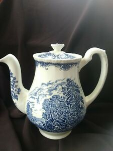Royal-Tudor-Ware-Blue-and-White-china-Olde-England-Teapot