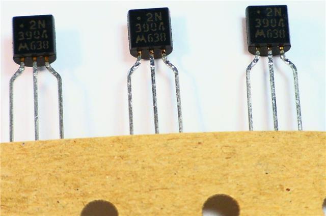 10pcs-MOTOROLA 2N3904 NPN General Purpose Amplifier Transistor TO-92