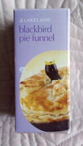 Lakeland porcelain Pastry Pie Blackbird Pie Funnel New Boxed steam baking