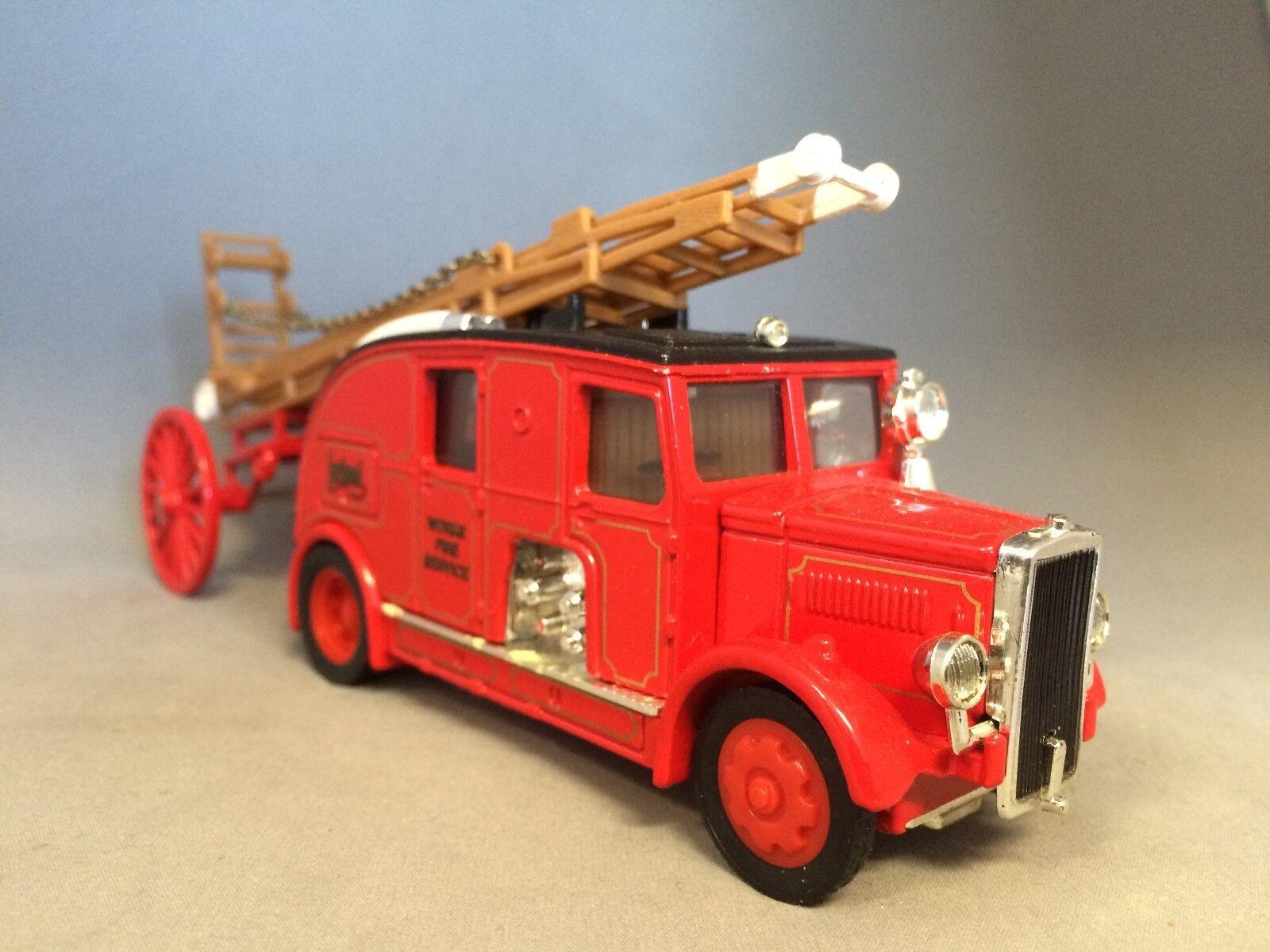 Matchbox YS-9 1936 Leyland 'Cub' Fire Engine FK-7