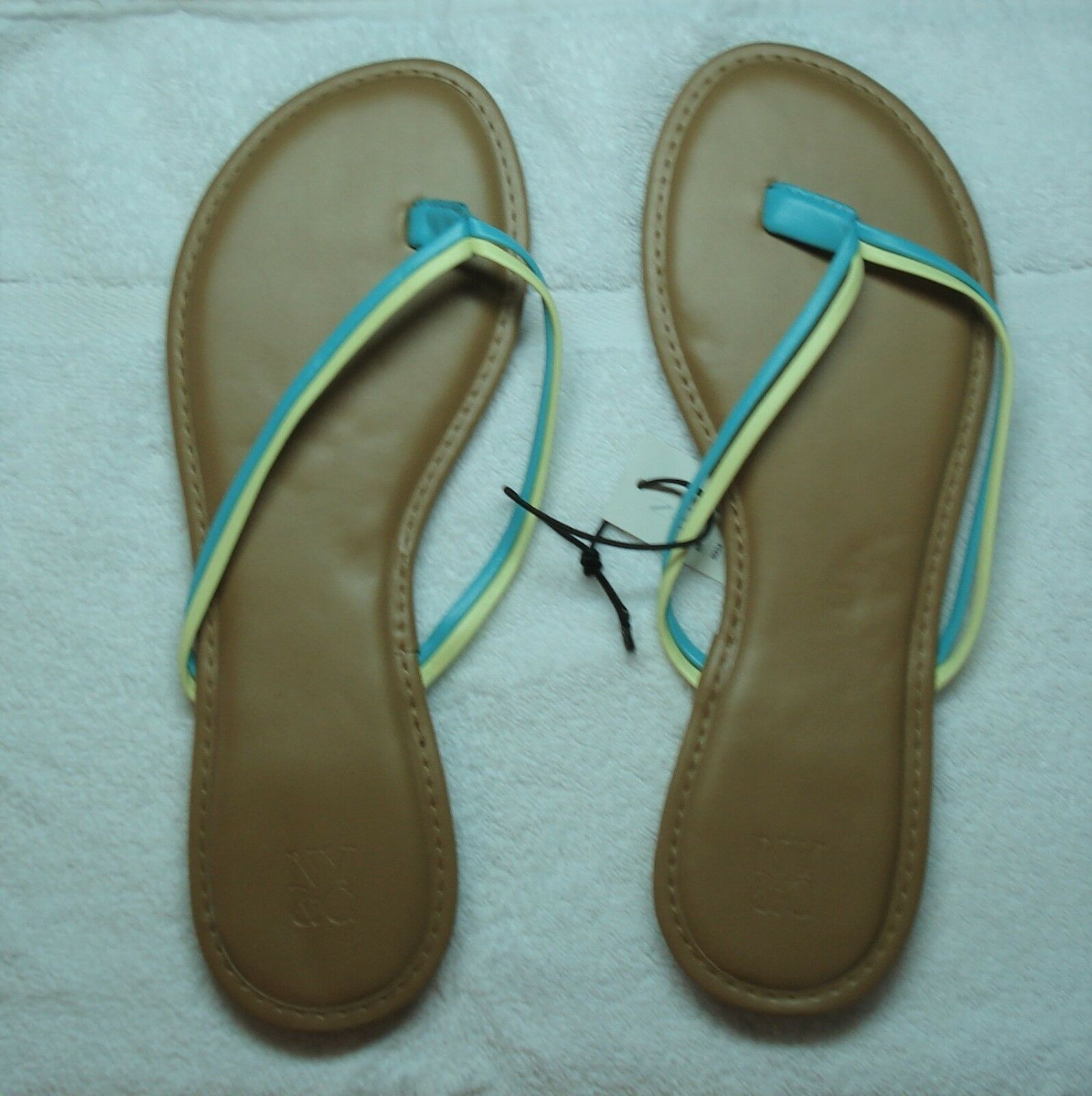 New York & Company GREEN/  DOUBLE-STRAP FLIP-FLOP SANDAL GREEN/ Company YELLOW -SIZE 9 5/28 29bea1