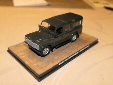 Land Rover Defender 110 verde Casino Royal James Bond 1//43 Ixo modelo coche con...