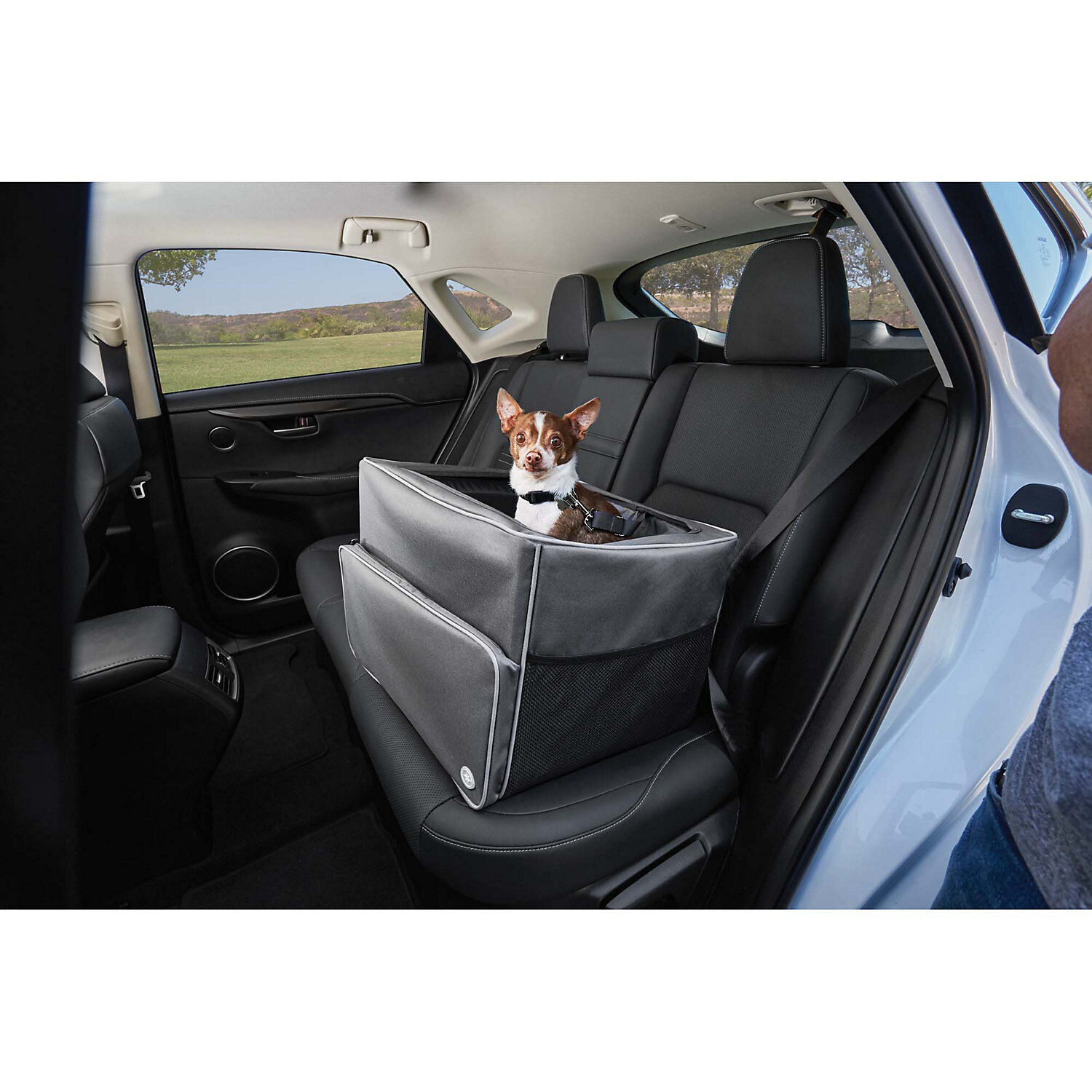 Good2Go Auto Booster Seat in G , 17 W x 13 H