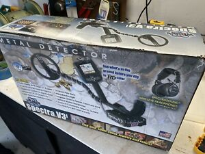 Perfect White's Spectra V3i Metal Detector Beach, Salt Water, Gold, Treasure NR