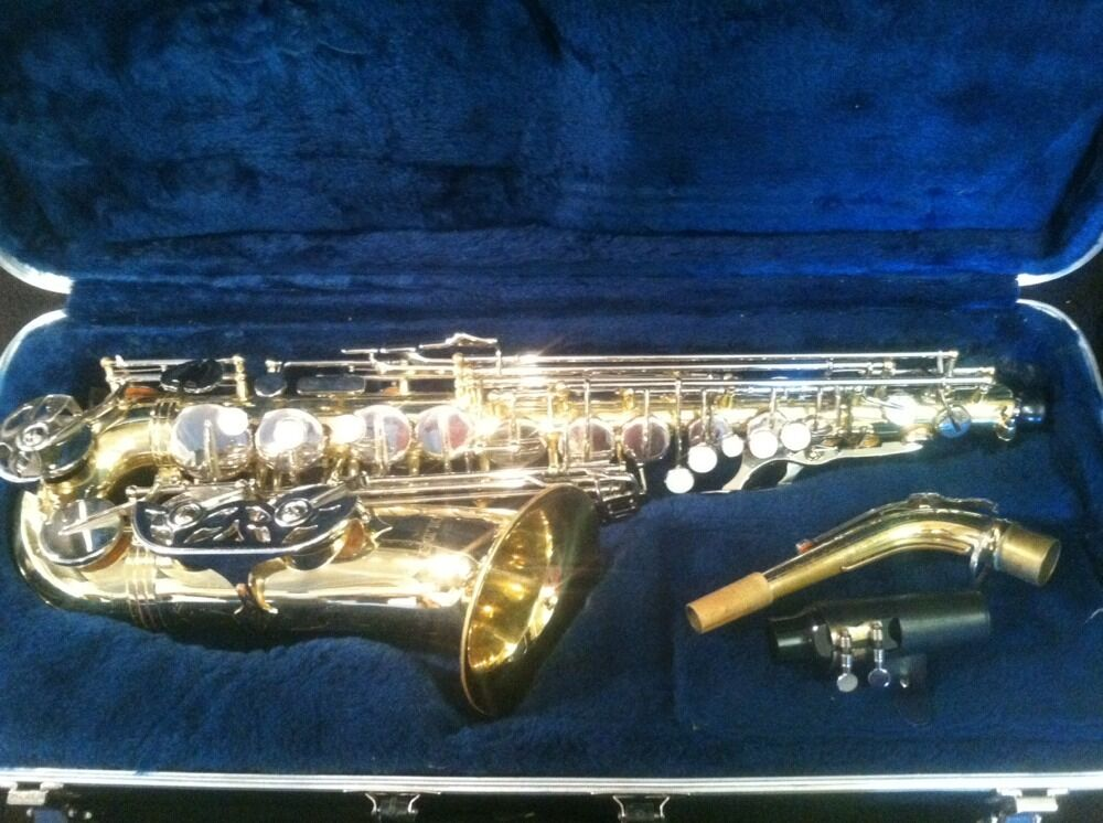 Olds Alto Sax NA62MN Student Model in Great Condition   I 860