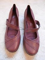 M&S Brown Leather Wider Fit Footglove Low Heel shoes (NEW) size 7.5 or 8 £45.00