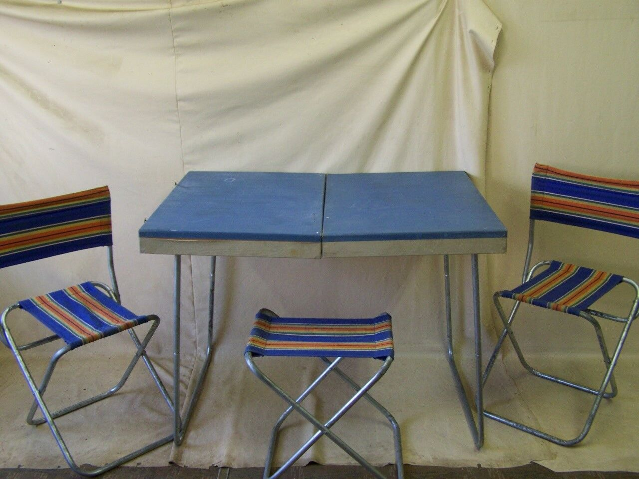 Antigua Rda Mesa Plegable, de Camping, Culto Diseño Retro 70s Año Maletín