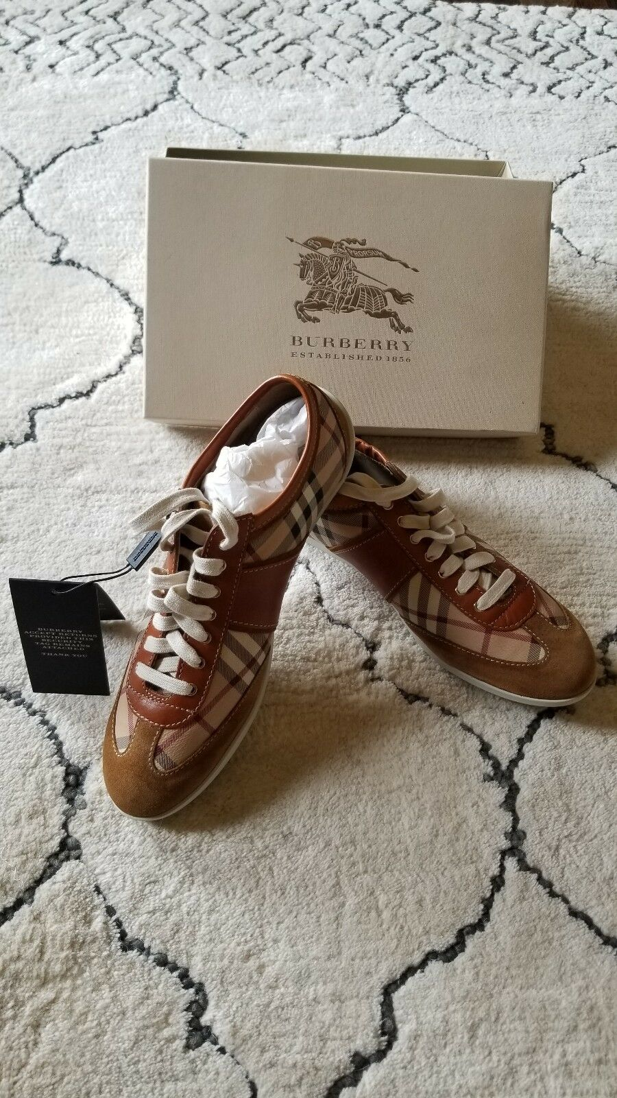 New New New in box  burberry femmes baskets Taille 7 cffbf9