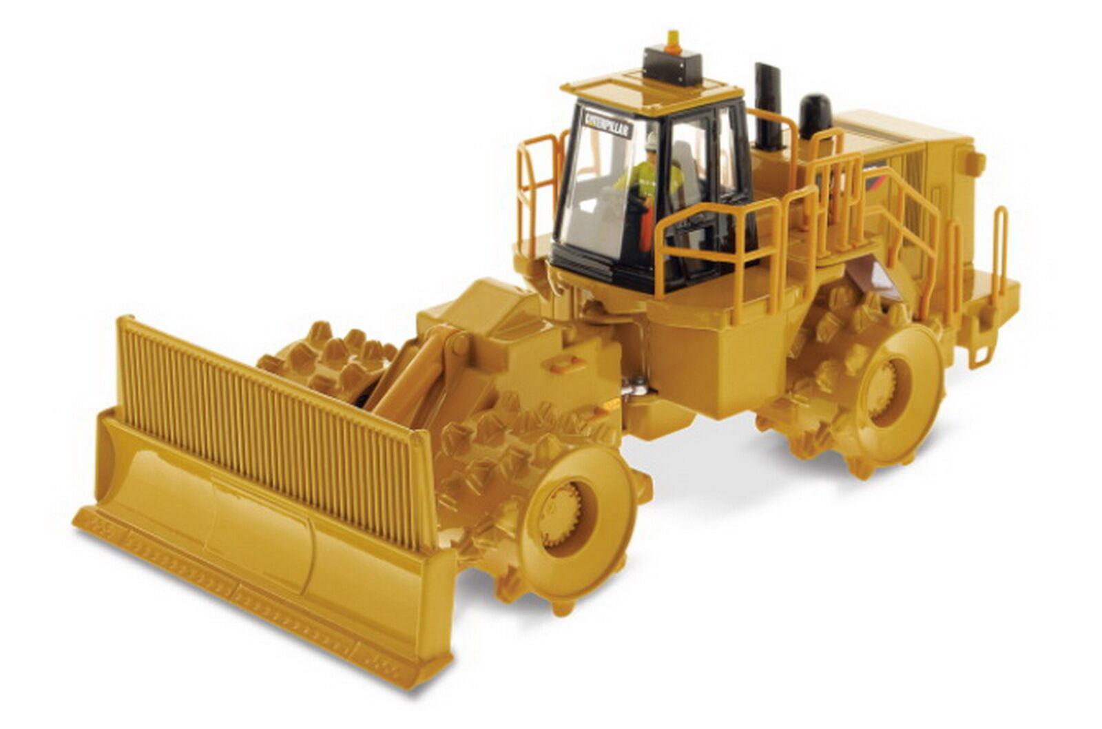 1 50 DM Caterpillar Cat 836H Landfill Compactor Diecast Model
