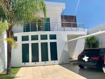 Casa en venta cerca universidad UVM