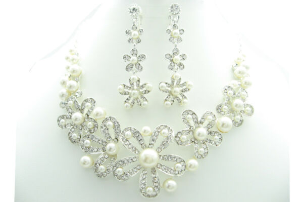 """18"""" White Round Shell Pearl Large Flower Necklace & Clip On Earrings Sets Bride"""