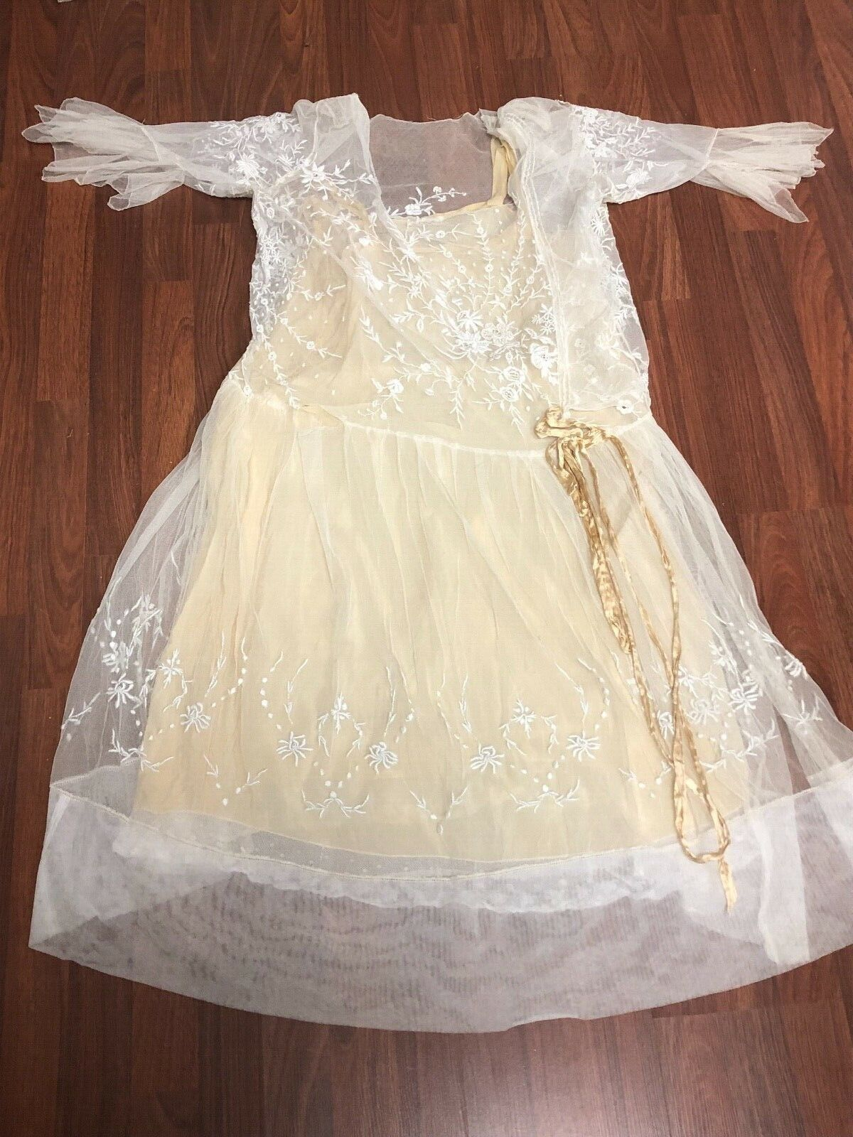 Antique Edwardian White Mesh Dress with Floral Em… - image 3