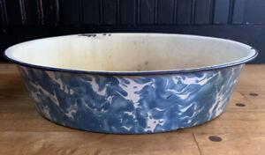 Antique-1930-Enamelware-Granite-Ware-Graniteware-Blue-White-Swirl-Pan-Farmhouse
