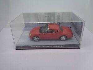 Ford-Thunderbird-James-Bond-007-Diecast-model-2007-GE-Fabbri