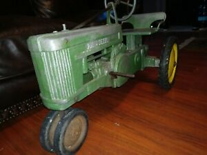 RARE-Vintage-Antique-John-Deere-Pedal-Tractor-Toy-Model-60