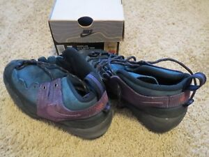 more photos 9dadc 280d3 Image is loading Vintage-Nike-Lava-Dome-2000-ACG-Approach-woman-