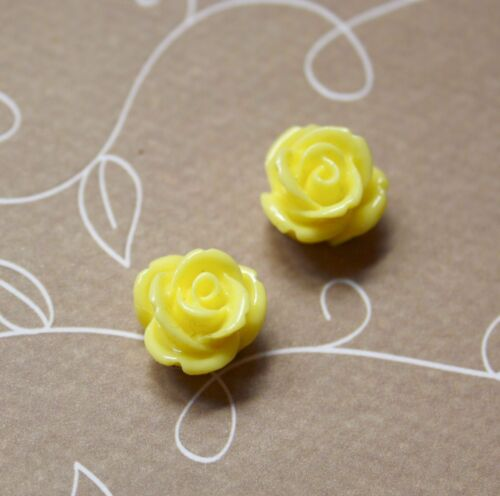 Resin flower cabochon 12 mm floral cabochons pack of 15