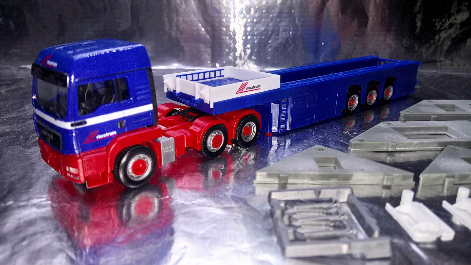 Herpa 155618 MAN TGS LX Cement Part Semitrailer + load Riwatrans 1 87 Scale