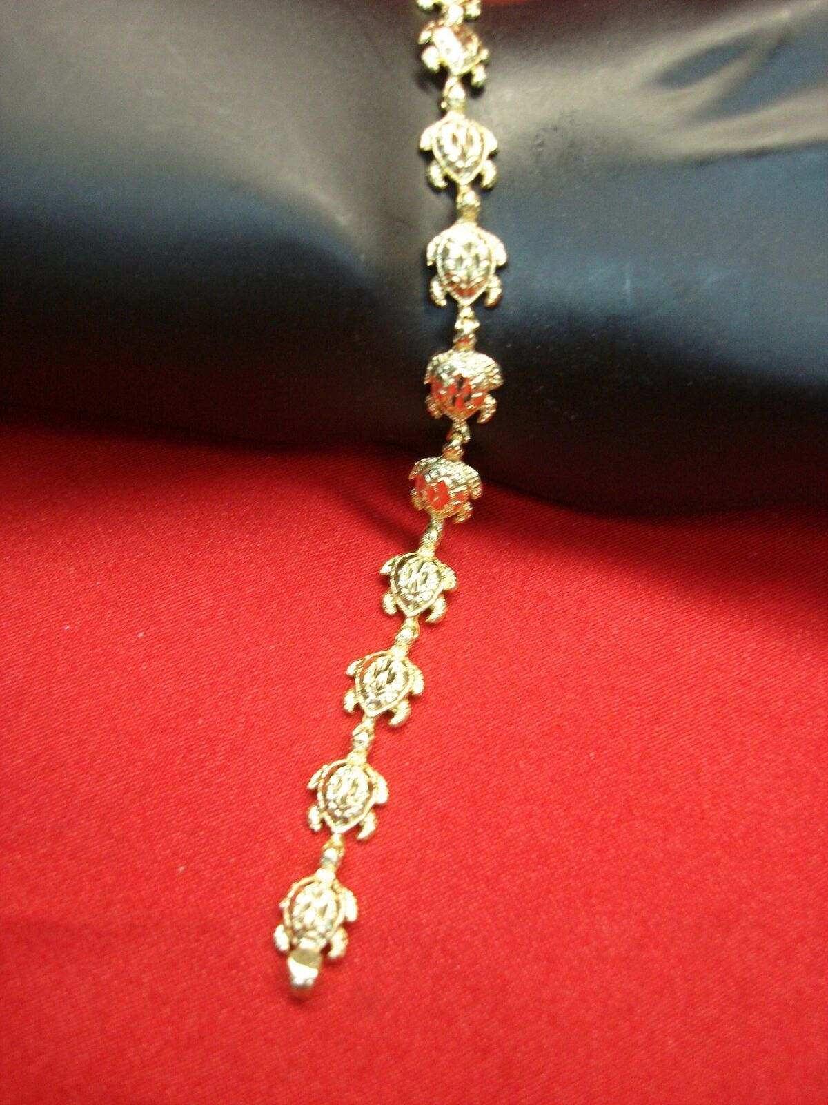 14K SOLID YELLOW gold SEA TURTLE BRACE - 13 DETAILED TURTLES ALL IN ROW - NICE