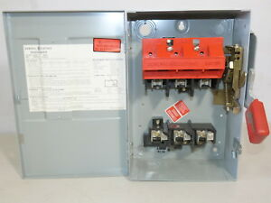 GE TH3361 MODEL 4 HD FUSIBLE SAFETY SWITCH 3P 30A 600V 20HP W// FRS15 FUSES