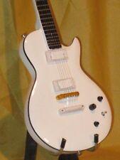 D146 Miniature guitar Buckethead * white