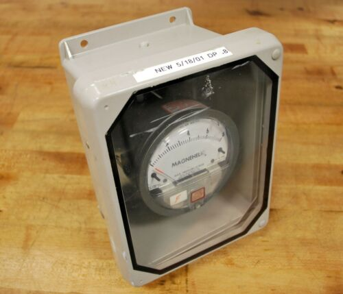 Magnehelic 2008  Differential Pressure Gauge 0-8 Inches of Water Max 15 PSIG