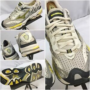 mizuno mens running shoes size 9 youth gold for him jeans