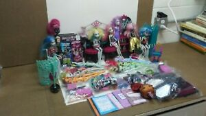 Huge-Monster-High-Doll-Lot-Dolls-DVD-039-s-Accessories