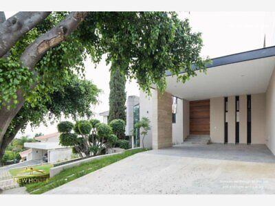 Casa con 4 Habitaciones en VENTA en Zona Norte cerca de la Universidad La Salle