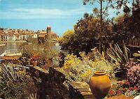 BT7755 Collioure le vieux port domine par le clocher de l eglis e       France