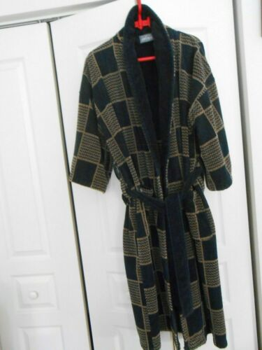 LORD & TAYLOR--COTTON TERRY ROBE--ONE SIZE