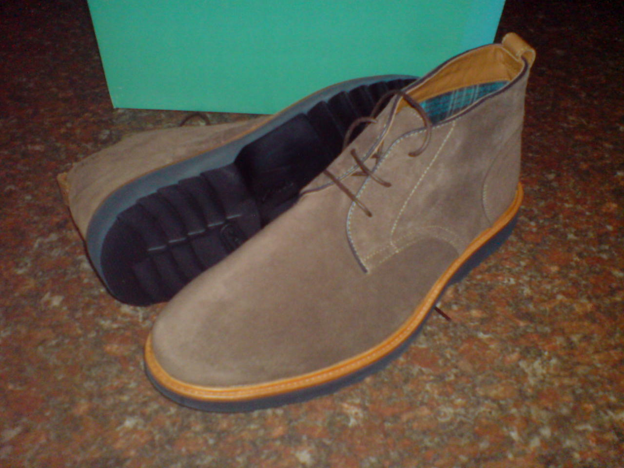 New Clarks ** Mens ** FULHAM HI ** Clarks SMART & TRENDY ** BROWN SUEDE BOOTS ** UK 8.5 95478a