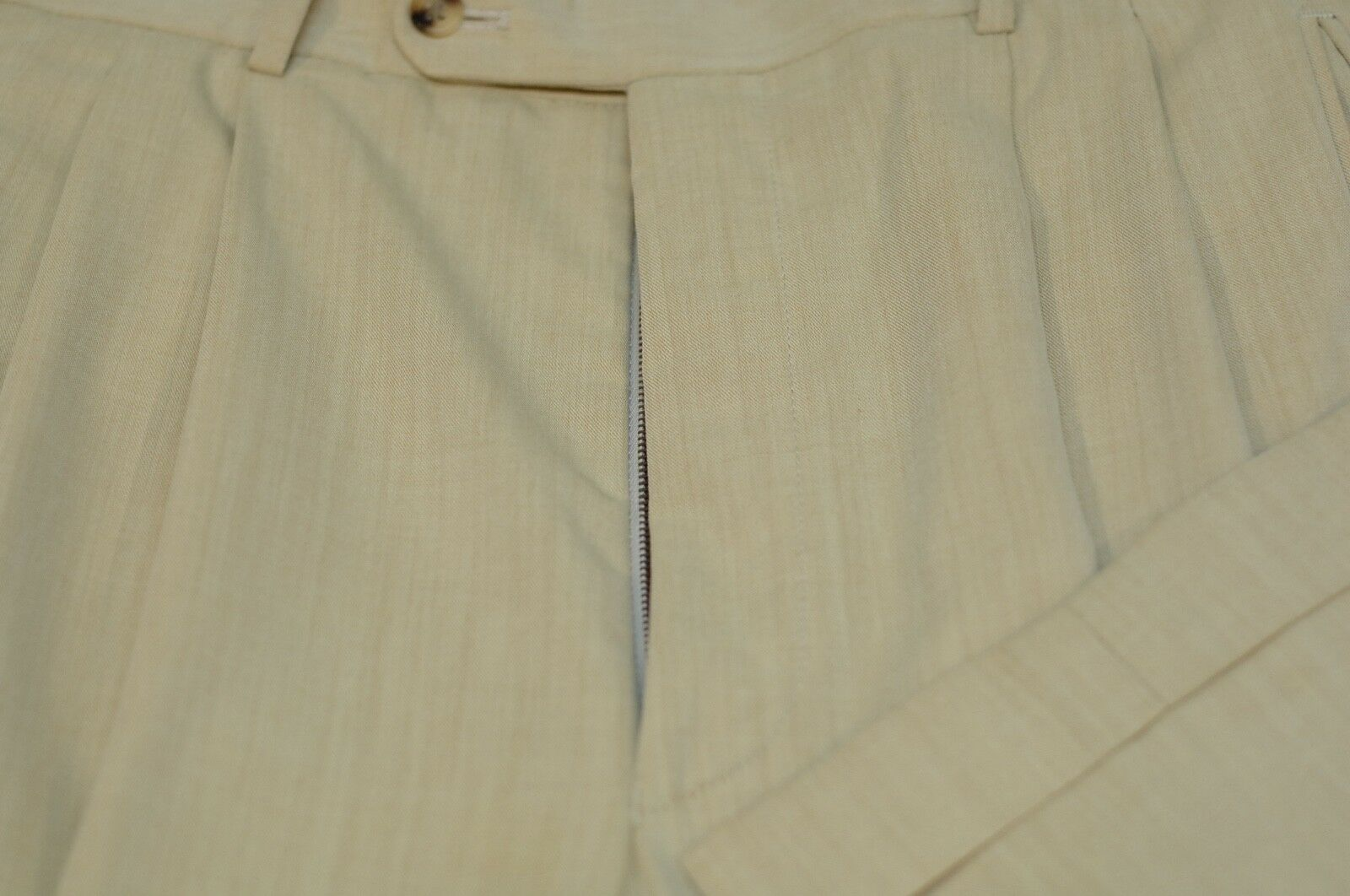 Hiltl Men's Beige Twill All Season Wool Pleated Dress Pants 36 x 32