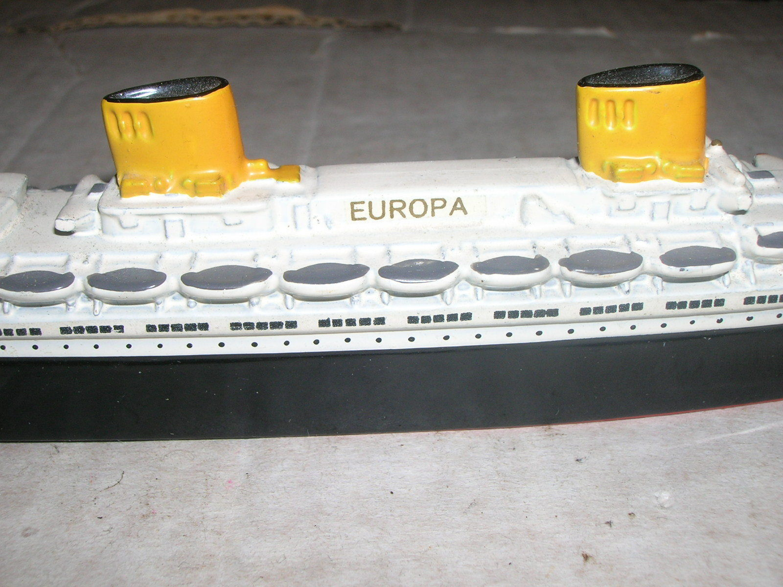 Wiking Modell 251 Ozeanliner EUROPA 1 1250 1250 1250 22,5cm Wasserlienienmodell 1948-50  | Spielzeug mit kindlichen Herzen herstellen  d9b611