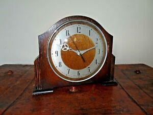 Antique-Oak-Cased-Smiths-Mantel-Clock-with-Quartz-Battery-Mechanism-Slimline