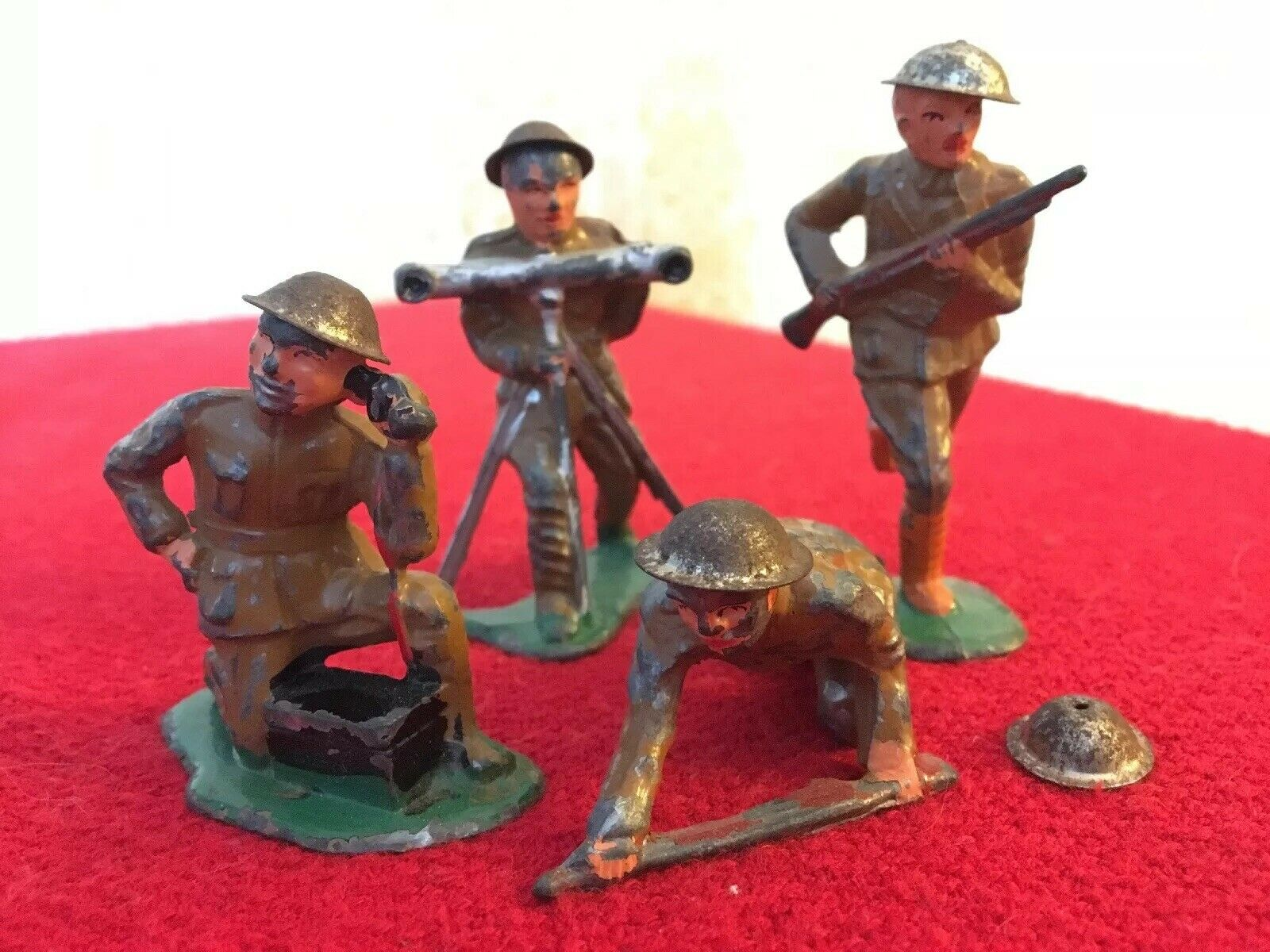 4 X BARCLAY MANOIL Lead Soldier Toy RANGE FINDER PHONE Crawl Running (14)