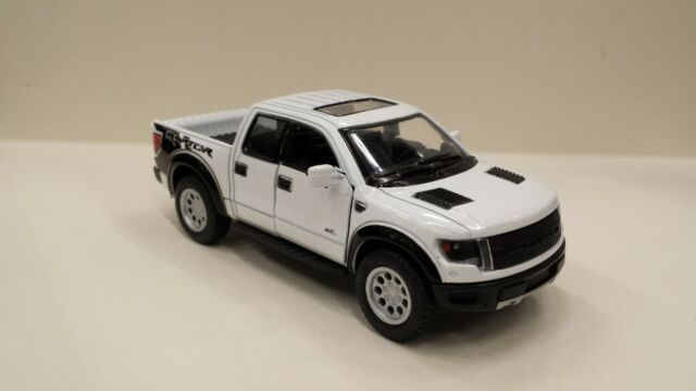 Ford F-150 SVT Raptor 1//46 Scale Diecast Metal Model by Kinsmart WHITE