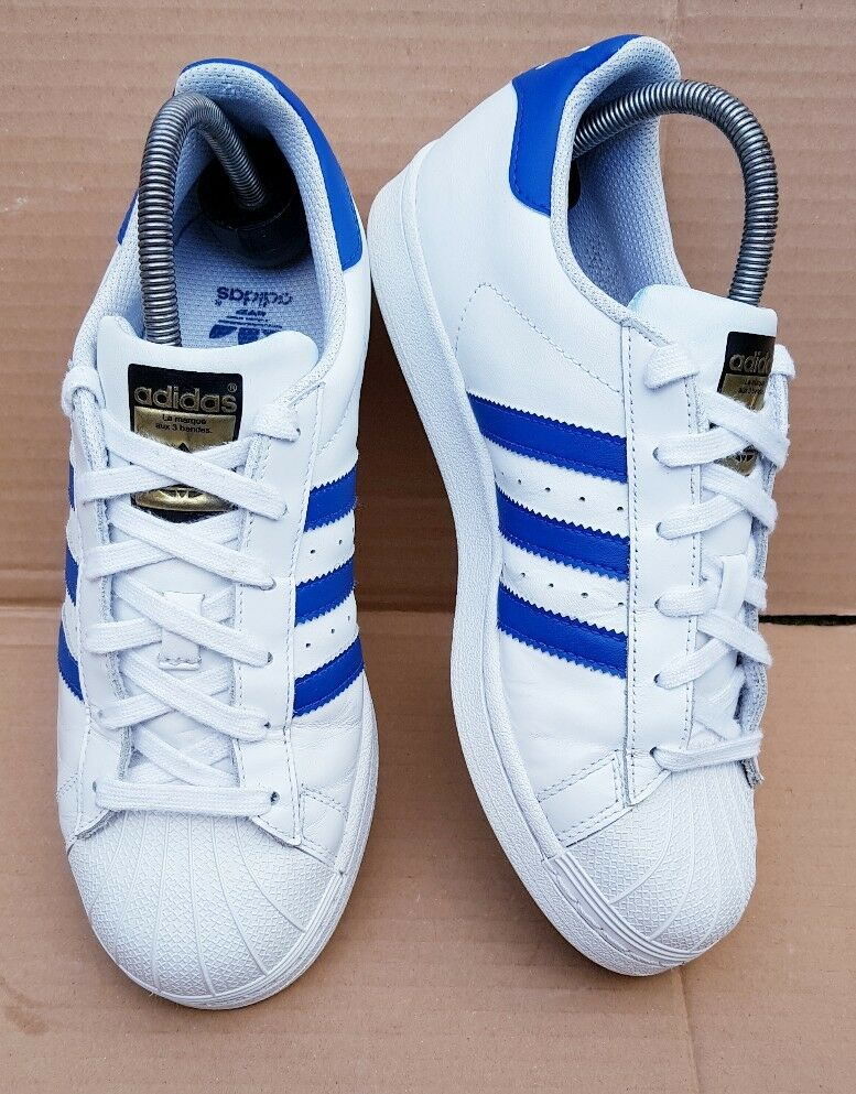 ADIDAS SUPERSTAR SHELL TOE blanc  AND bleu TRAINERS SIZE 5GOLD LOGO EXCELLENT