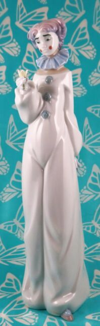 Lladro # 8044 ~ HAVE A FLOWER ~ Clown     *** MINT ***   BUY 1 GET 1 50% OFF