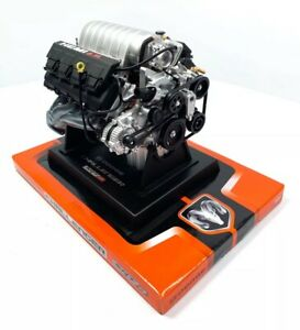 Model-Engine-1-6-Scale-Replica-Diecast-of-Dodge-Challenger-SRT8-HEMI-6-1L-Engine