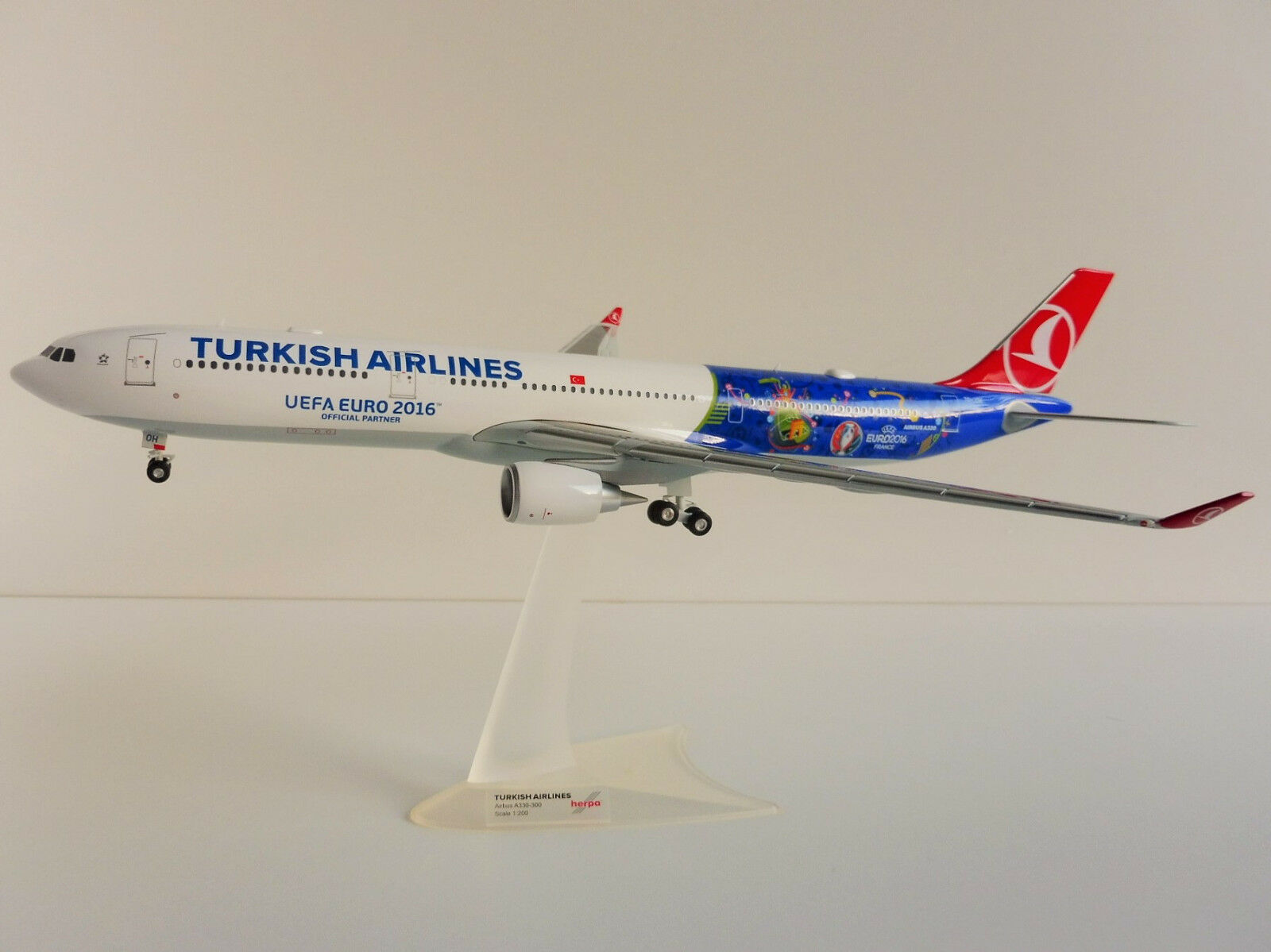 Airbus a330-200 Turkish Airlines 1 200 Herpa 558105 a330 UEFA EURO 2016 France