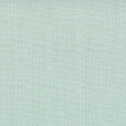 Moda Fabric Bella Solids Home Town Sky Per 1//4 Metre
