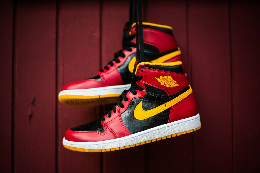 Nike Air Jordan 1 Retro High OG size 13. ATL Hawks 555088-017 red black yellow