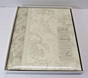 Photo-Scrapbook-HALLMARK-Wedding-Floral-Vine-Album-WCA2703