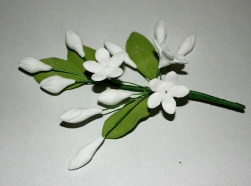sugarcraft Sampaguita sucre fleurs jasmin white cake topper