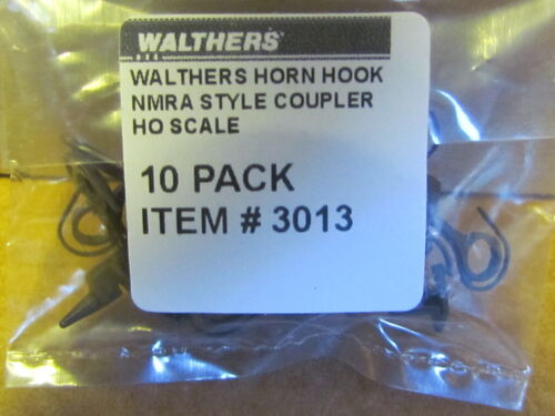 3013 WALTHERS HORN HOOK COUPLERS IN A PACKAGE OF 10 COUPLERS HO SCALE NEW
