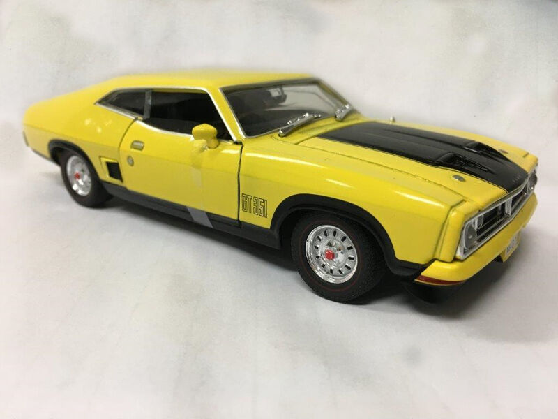 NEW OzLegends Ford Falcon XB GT 2 Door HARDTOP 1 32 Limited Edition Yellow Blaze